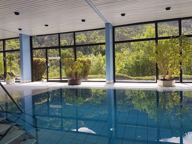 Jutta Deluxe- Apartment mit Panoramahallenbad