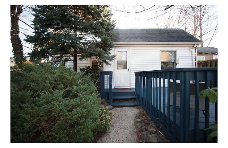 Cottage by the Bay (Sandy Hook)
