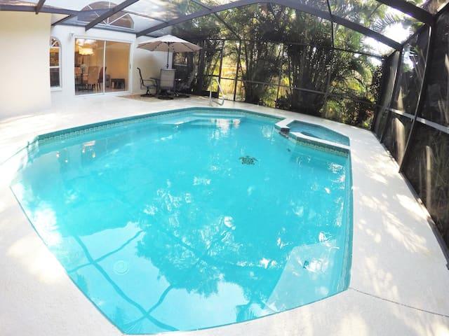 Tarpon Fun'n Sun-Pool, Beaches+Backyard Chickens 2