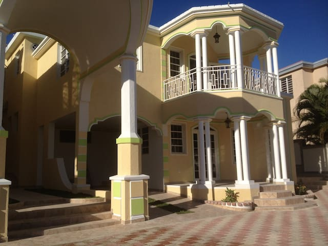 太子港(Port-au-Prince)的民宿