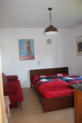 Pretty Room with own Bathroom near Messe