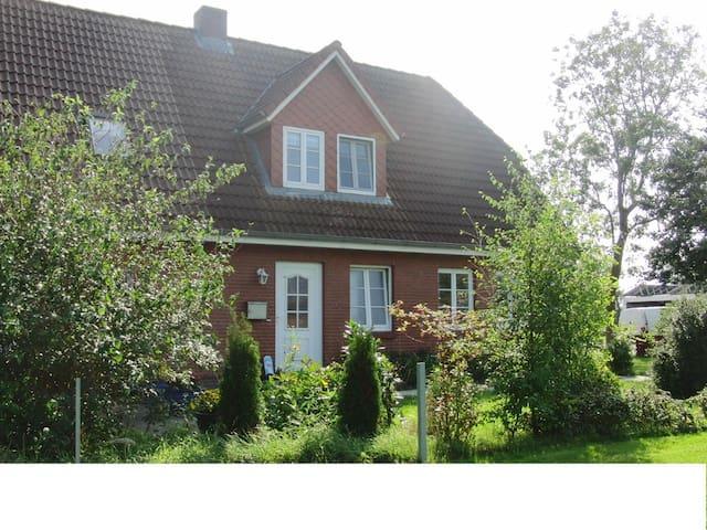 Tinningstedt的民宿