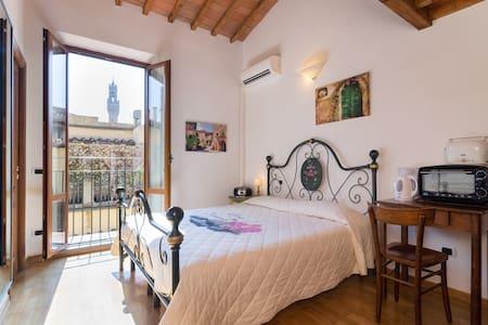 Firenze Rentals Mini Corso 12