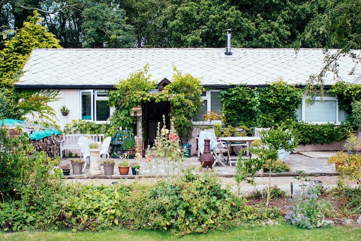 Secluded Country Stable Cottage