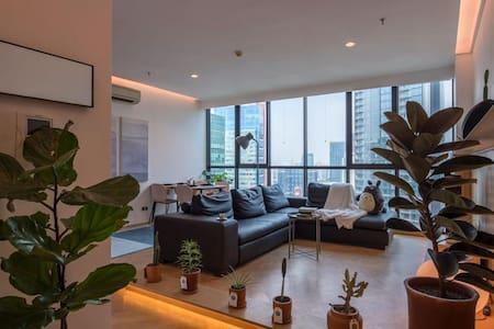 Freshly renovated 2 BR Setiabudi Residence