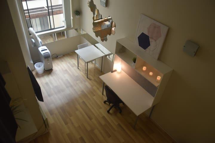 Cozy loft-style studioCentral,Broadway,Darling hbr