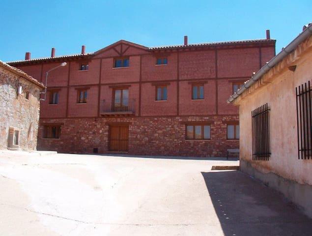 Noviales, Montejo de Tiermes (Soria)的民宿