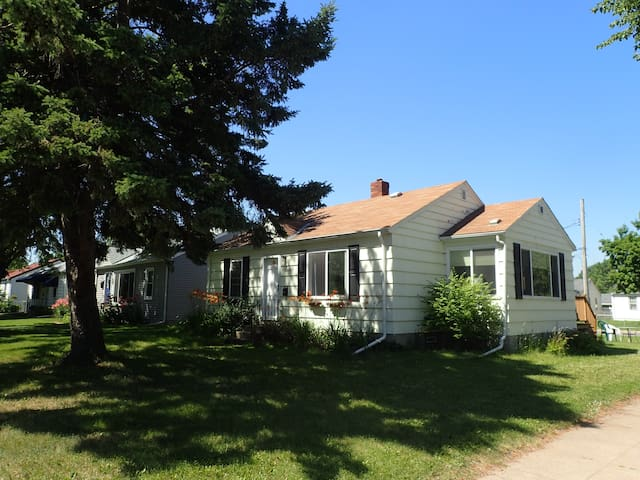 Beautiful home in heart of trendy Northeast