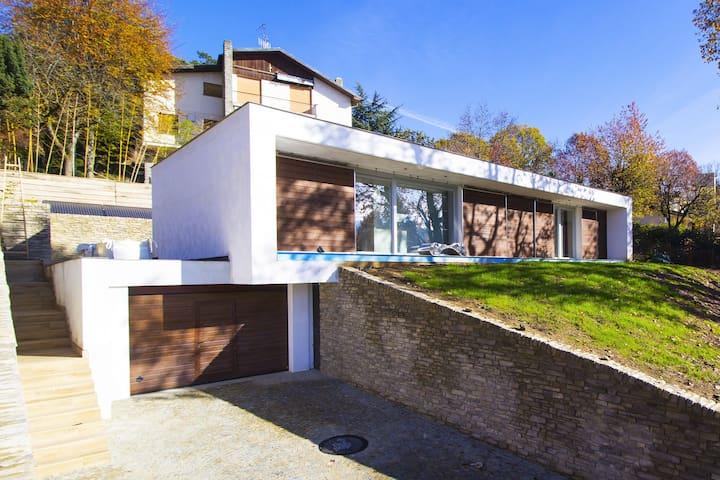 Turin Hill's Villa