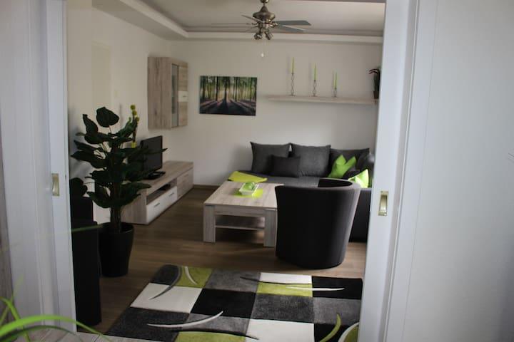 neue modern eingerichtete Wohnung im Süden