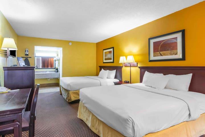 Americas Best Value Inn (2 queen size beds)