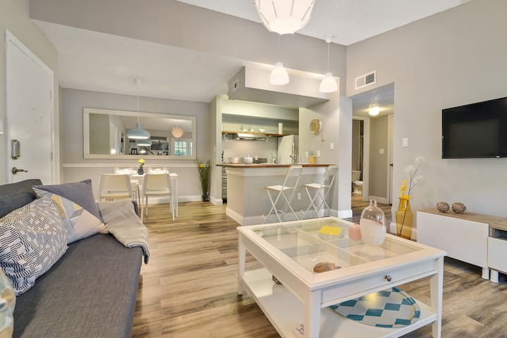 ☆ Completely renovated + amazing location