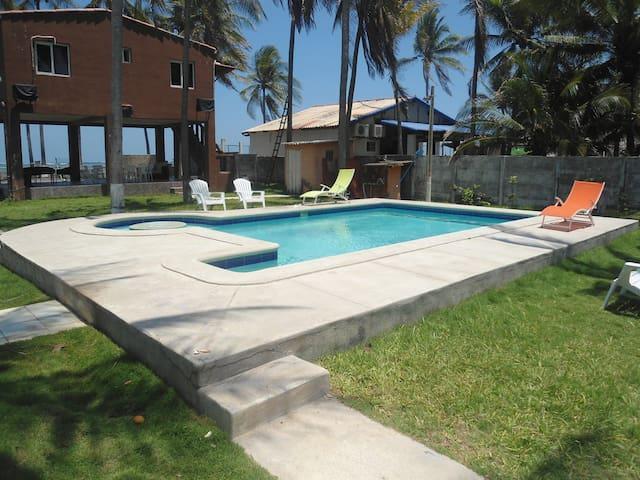 San Luis Talpa的民宿
