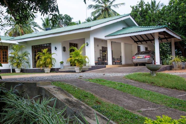 Kurunegala的民宿