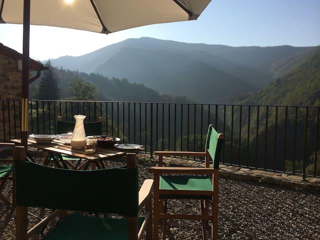 Lucca province- fabbriche di vallico的民宿