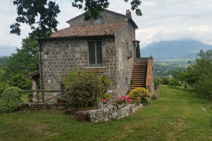 Castel Campagnano的民宿