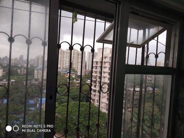 Single room in Goregaon West Mumbai Prime Location