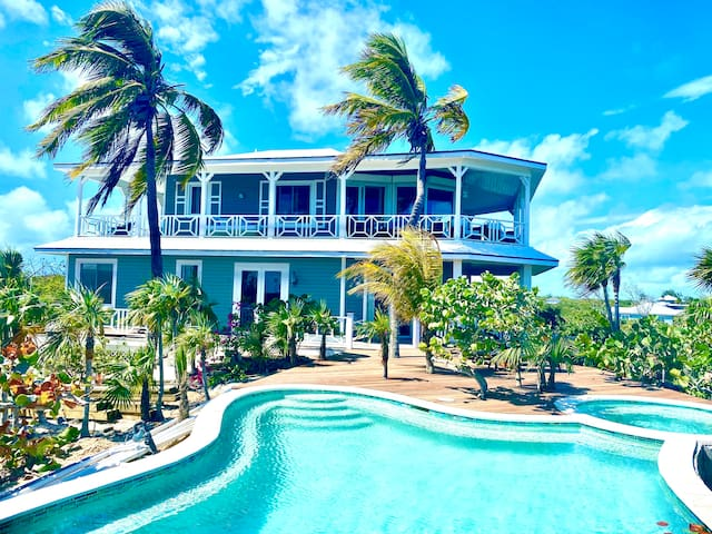 OceanFront Exclusive  Estate w/Pool and jacuzzi