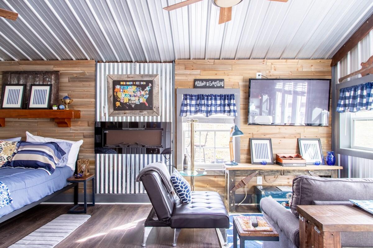 Cali's Cottage, cozy pet friendly, near Nashville