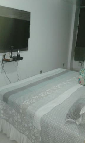 Quarto aconchegante..Copacabana and Ipanema beach!