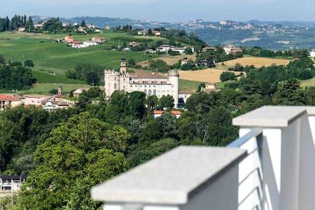 Villa Elza in Costigliole d'Asti