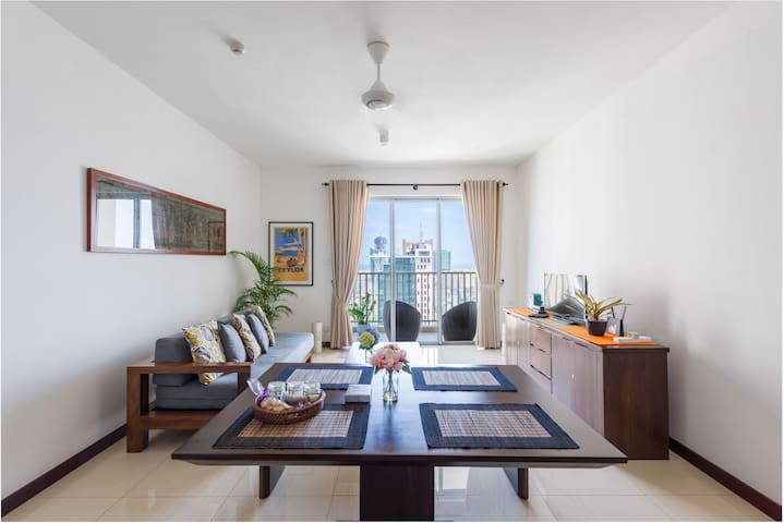 Colombo Lights -Luxury Two Bedroom Apartment