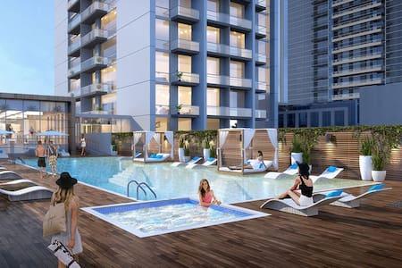 5* Dubai Marina ♡ Sunset Sea View+Balcony+Pool+Gym