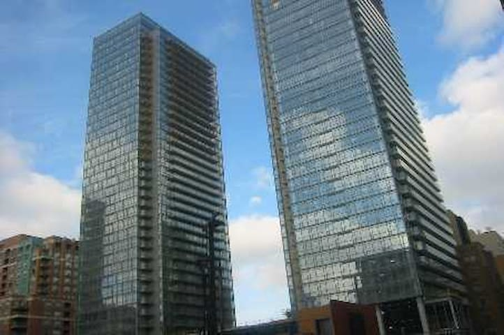Upscale Condo on Bay St. (Downtown)