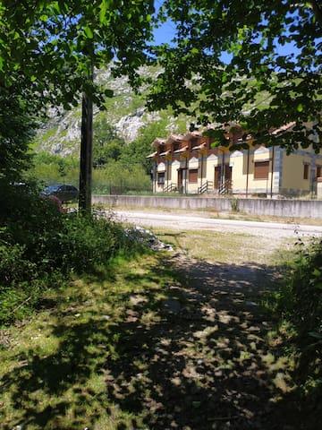 San Roque de Riomiera的民宿