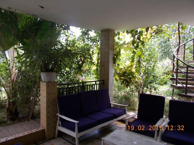 Villa de 5 pièces avec Grand Jardin