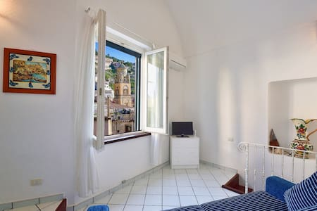 Lovely apartment with nice view in Amalfi