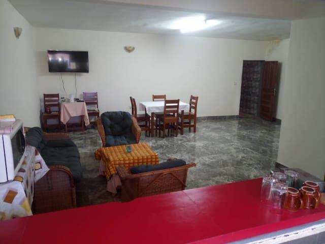 Douala. Chambre privative dans appartement luxueux