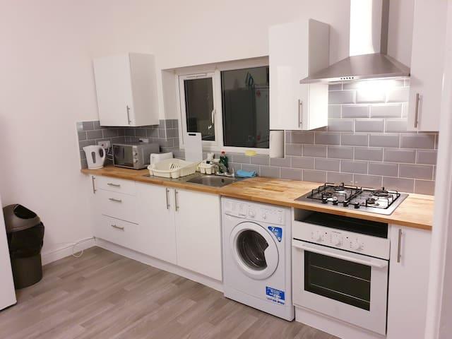 Cosy room Northampton centre (6)