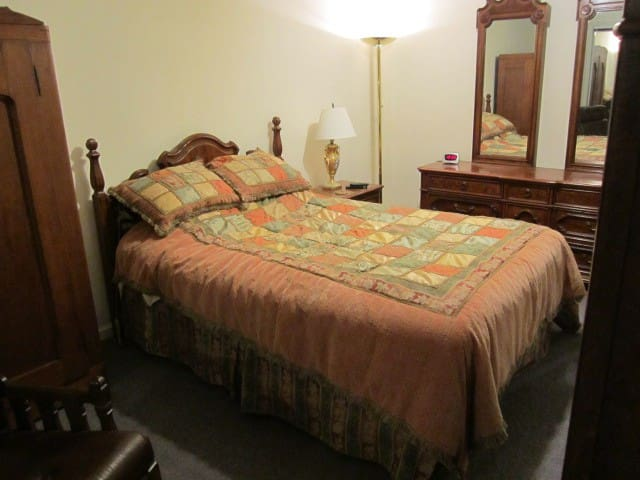 Basement bedroom with full bath
