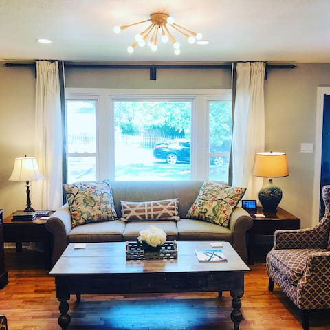 ★Luxury 5-star Home★Easy Hwy Access~Location!