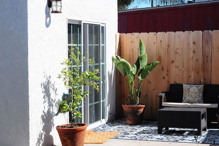 Spanish Studio in Hip Neighborhood
