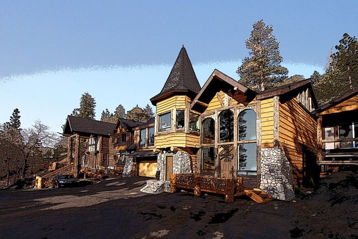 "Bear Mt. ""Lodge"" 5 Star Private 12 guests 4Br 4Ba"