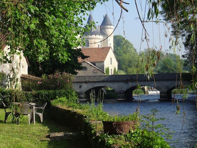Verteuil-sur-Charente的民宿
