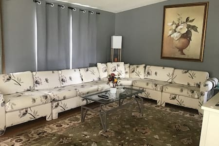 Fully furnished/walk-in ready home