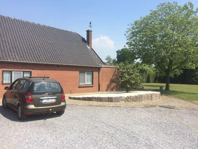 Diepenbeek的民宿