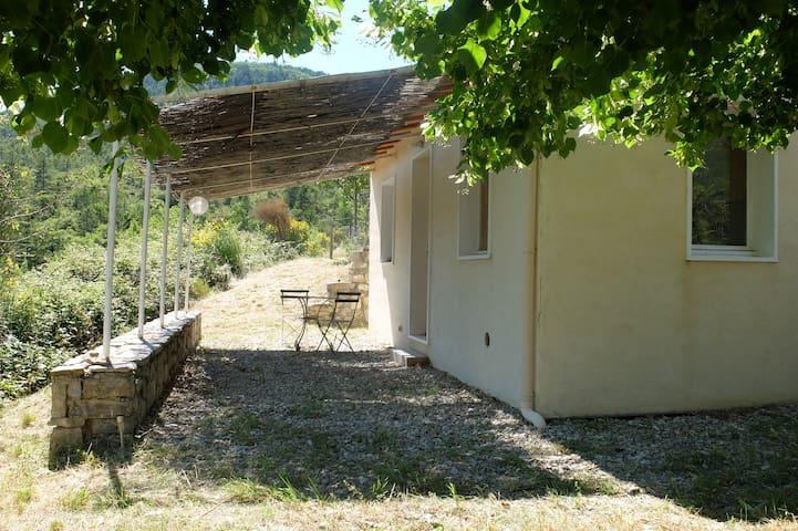 Villeperdrix的民宿