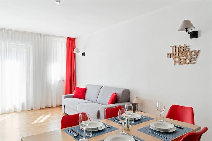 Mars - Lovely new flat (spa, cafe, kids area)