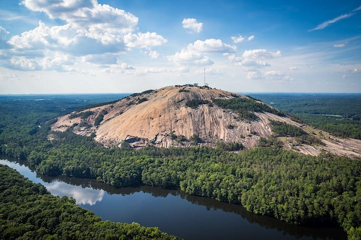 石头山(Stone Mountain)的民宿