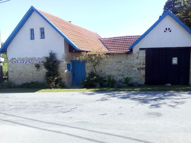 Chotěnov的民宿