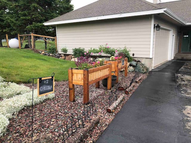 Luxury #2 Guest Suite near Kalispell