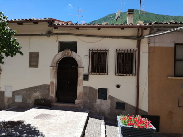 Pettorano Sul Gizio的民宿