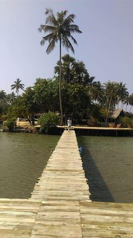Kandakuliya的民宿