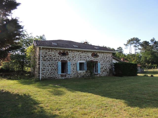 Belin-Béliet 的民宿