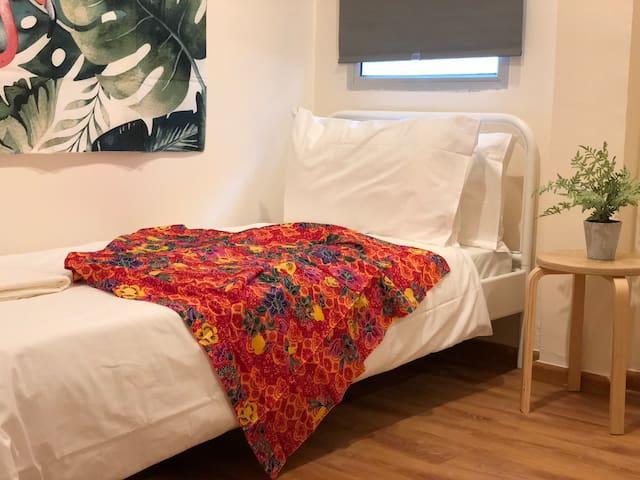 BK Hostel @ City Centre Room F - Single Room