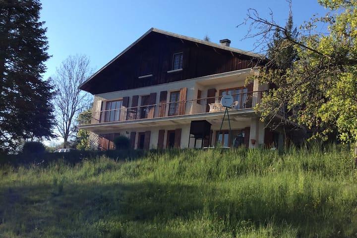Appartement au calme à l'ombre du tilleul